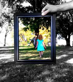 Photography idea  - black & white w/ the frame in color.