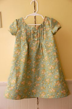 Family reunion dress-ruffle instead of button placket