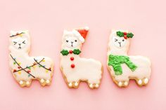 Save this for the perfect Easy Sugar Cookie recipe that there ever was!
