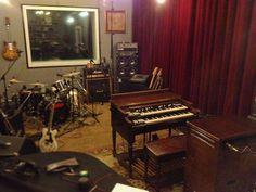 #hammondgrooves #recording #session @ @familymobstudios #hammond #leslie #guitarra #bateria #keyboard #velvet #pedalboard #hammondb3 #hammondorgan #lesliespeaker #guitar #drums #cymbals #studio #estudio #music #musica #souljazz #groove #blues #jazztrio #jazz #organtrio #jazzorgan #organjazz
