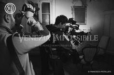 Mentre si gira un piano sequenza con la steadicam.  Location: villa Cà Marcello, Levada di Piombino Dese. Location: villa Ca' Marcello, Levada di Piombino Dese.