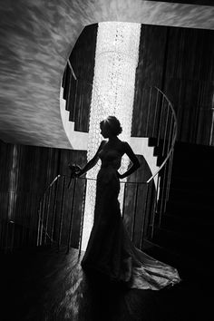 BRIDE PORTRAIT, focus on the architecture around here and then silhouette her figure