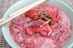 Foochow red wine noodles Red Wine Chicken, Rice Pasta, Noodles, Cabbage, Vegetables, Food, Kitchens, Macaroni, Essen