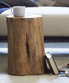 21 Rustic Home Goods That Bring The Ski Lodge To You #refinery29 http://www.refinery29.com/2014/01/61079/ski-lodge-decor
