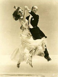 Rita Hayworth & Fred Astaire                                                                                                                                                                                 Mais