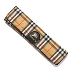バーバリーズより英国チェック柄のペンケースをご紹介します。 スリムなシルエットが特徴です。 詳細はこちら>http://bbl-shop.com/?pid=81780316