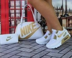 I love these nike air athletic sneakers ! Gold Nike Shoes, Cute Nike Shoes, Nike Gold, Cute Sneakers, Nike Air Shoes, Sneakers Nike, Sneakers Fashion Outfits, Nike Outfits, Nike Fashion