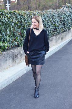 #Collants #résilles vous aimez ou pas ? Clara Ln les assume totalement avec sa petite #jupe #simili #babou à 12€