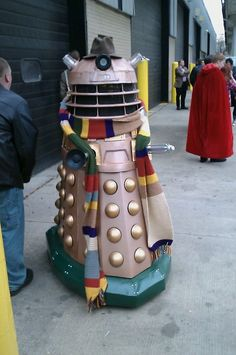 This is a Dalek cosplaying the Doctor like its trying to sneak in to some random Time Lord conference.