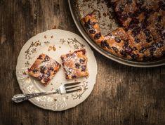 A kevert tésztákat csak imádni lehet, hiszen amellett, hogy habkönnyűek és nagyon finomak, pofonegyszerűen és villámgyorsan elkészíthetők. A meggyszezon pedig tombol, így kézenfekvő volt, hogy a legjobb meggyes piskótákat gyűjtjük össze nektek. Íme 17 szuperhasznos recept. Camembert Cheese, Food, Essen, Meals, Yemek, Eten