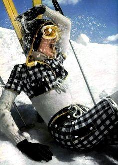 Linda Morand in Courrèges ski fashion, L'Officiel Snow Fashion, Winter Fashion, Fashion Photo, Ski Bunnies, Ski Socks, Go Skiing, Ski Gear, Vintage Ski, Vintage Travel