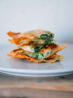 慣れてきたら、細いスティック状に巻いたりしてもまた違った楽しさ。|『ELLE gourmet(エル・グルメ)』はおしゃれで簡単なレシピが満載!
