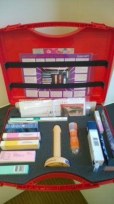 Zo ziet de inhoud van de Anticonceptie Koffer van Rutgers WPF er uit! Veilig de koffer in met de TSafe anticonceptiespiraal!