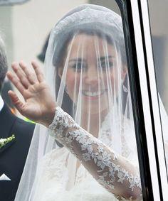 Kate Middletons Royal Wedding hairstyle transformation, Part 2