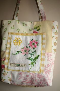 Cotton tote bag with embroidered pocket by Bodkin and Bead Diy Bags Purses, Fabric Purses, Fabric Bags, Embroidery Bags, Vintage Embroidery, Patchwork Bags, Quilted Bag, Denim Handbags, Lavender Bags