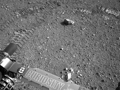 Curiosity Leaves Its Mark - Tire tracks leave Morse Code for navigation and measurement purposes.