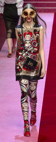 0e62ccf48a5837 Die 163 besten Bilder von Dolce in 2019 | Fashion Show, High fashion ...