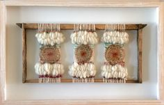 Weaving Art, Loom Weaving, Tapestry Weaving, Hand Weaving, Deco Boheme Chic, Dream Catcher Decor, Diy And Crafts, Arts And Crafts, Creative Textiles