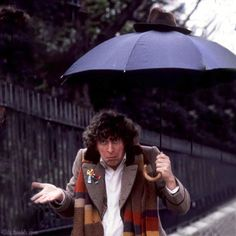 Tom Baker....love his face in this pic!!! Q. DOES ANYONE ONE KNOW WERE TO GET OLD DOCTOR WHO'S FROM? 4th DOCTOR SPECIFICALLY...