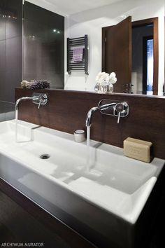 Drewno w łazience: czy to na pewno dobry pomysł? Ładne inspiracje do mieszkania - łazienka aranżacje - -Urzadzamy.pl#zdjecie