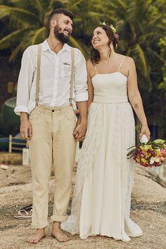 casando na ilha Groom Wedding Dress, Wedding On The Beach, Wedding Shot, Block Island, Couple, Engagement, Vestidos, Events