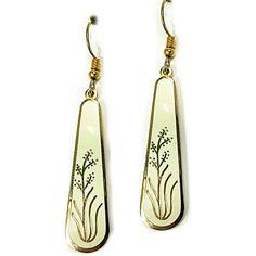Flower Drop Earrings Vintage Cream Gold Tone Pierced e527