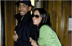 """La La Vazquez-Anthony, 33, and Carmelo Anthony, 28, are headed to divorce court… but that don't stop her from finding a new boo boo.    She was out with her new boyfriend all snuggled up..and he is even secure enough in his manhood to be carrying a """"murse"""" (man purse). We see you La La, you find a man that is going to make you happy!"""