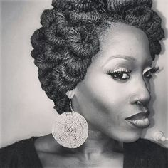 Pipe cleaner loc updo. Gorgeous!! I need this in my style inventory.