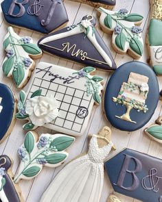 Cookie Gifts, Cookie Tin, Wedding Shower Cookies, Anniversary Cookies, Beer Wedding, Always A Bridesmaid, Fall Wedding Decorations, Unique Wedding Cakes, Ornaments Design