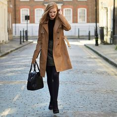 """There's nothing like the perfect trench coat. Find 'the one', just like Kristina from your #Aberdeen store - oasisstor.es/StylistSundayGirl #UpMyStreet…"""