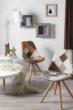 Que dites-vous de ce séjour original qui ressemble à un petit salon d'hôtel? Donnez du jus à votre pièce avec la couleur #orange!! Vivez vos #homemoments de manière unique, Kavehome style.