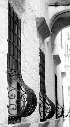 Maltese windows