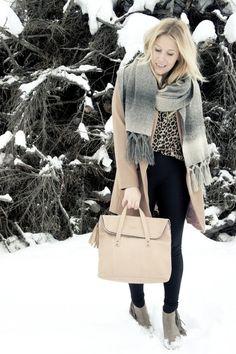 Lainahöyhenissä - Lumi bag