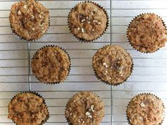 Apple Cinnamon Muffins (Gluten Free + Vegan) - The Simple Veganista Gluten Free Muffins, Gluten Free Treats, Vegan Treats, Vegan Muffins, Apple Cinnamon Muffins, Cinnamon Apples, Vegetarian Brunch Recipes, Veg Recipes, Recipies