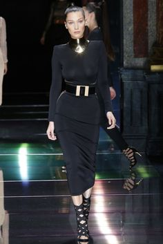 Fotos de Pasarela | Balmain, desfile, colección, primavera-verano 2016, Paris Fashion Week París Primavera/ Verano 2016 Paris Fashion Week | 43 de 61 | Vogue