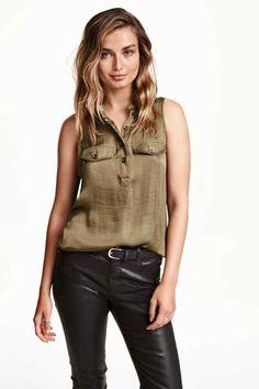 Blouse sans manches en satin   H&M