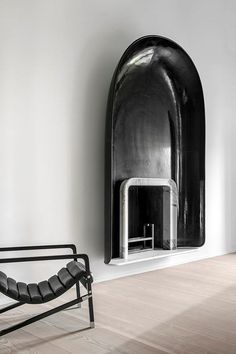 A fireplace doesn't have to stand out to have an impact. The modern fireplace in this neutral living room by Elms Interior Design blends into its surroundings due in large part to the fact that there's no mantel. Interior Exterior, Best Interior, Home Interior, Interior Styling, Interior Architecture, Interior Decorating, Stylish Interior, Interior Plants, Modern Fireplace
