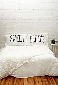 Rise and Fall Sweet Dreams Pillowcase Set   Forever 21   #f21home