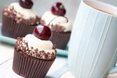I love chocolate. When I'm in charge of baking dessert, it will usually include some form of chocolate. The richer and darker, the better. Cupcake Recipes, Cupcake Cakes, Dessert Recipes, Kreative Snacks, Black Forest Cupcakes, Cupcakes Wallpaper, Chocolate Cacao, Chocolate Cherry, Cupcake Photos