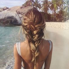 Tumblr : Summer Braids :: Beach Hair :: Natural Waves :: Long + Blonde  Boho Festival :: Messy Manes :: Free your Wild :: See more Untamed DIY Simple + Easy Hairstyle Tutorials + Inspiration @untamedorganica #Tumblr Messy Hairstyles, Pretty Hairstyles, French Hairstyles, Bohemian Hairstyles, Corte Y Color, Good Hair Day, Hair Dos, Gorgeous Hair, Her Hair