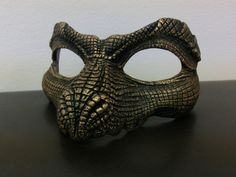 Black and Metallic Gold Reptile Mask by LisaSell on Etsy Dragon Face, Fire Dragon, Diy Masque, Masquerade Party, Masquerade Masks, Cool Masks, Skull Mask, Venetian Masks, Masks Art