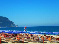 La spiaggia del Numanablu Camping Village. #numanablu #numanablucampingvillage #vacanze #holidays #camping #campsite #villaggio #bungalow #campingvillage #numana #Marche #Italy #destinazionemarche #destinazioneconero
