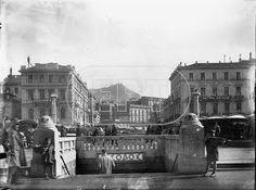 Φιλικη Εταιρεια: Συνεχεια απο την αναρτηση Φωτογραφιες απο την Ελλαδα.1910-1952 Old Photographs, Old Photos, Vintage Photos, Bauhaus, Athens Greece, Neoclassical, Public Transport, The Past, Louvre