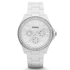 This classic timepiece by Fossil features a plastic case and bracelet. A white dial, precise quartz movement and a water-resistance level of up to 50 meters finish this fine timepiece.