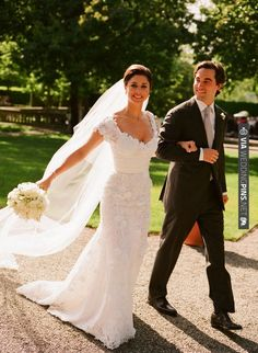 Oscar De La Renta Dress | CHECK OUT MORE IDEAS AT WEDDINGPINS.NET | #weddings #weddinginspiration #inspirational