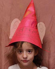 "Elf Hats. ""10 Little Elves"" song on Super Simple Songs - Christmas CD! #preschool #kindergarten #ESL/EFL"