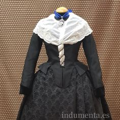 Photography Women, Traditional Outfits, Corset, Clothes For Women, Victorian, Inspiration, Dresses, Style, Fashion