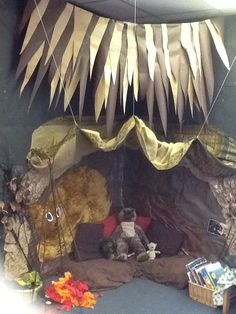 May Decorate the room for a cave theme. Can use large boxes and other items to complete the look. Cave Quest Vbs, Role Play Areas, Bear Theme, Book Corners, Vbs Crafts, Vacation Bible School, Camping Theme, Stone Age, Classroom Displays