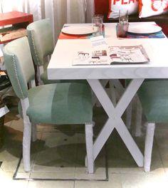 Comedor compuesto por mesa comedor modelo dl en madera de for Sillas blancas de madera tapizadas