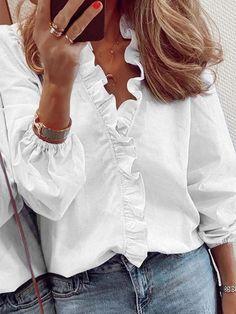 White Long Sleeve, Long Sleeve Tops, Mode Outfits, Fashion Outfits, Women's Fashion, Fashion Blouses, Fashion Online, Fashion Lingerie, Cute White Tops